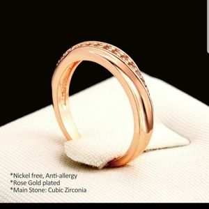 New rose gold tone Austrian Crystal tail ring